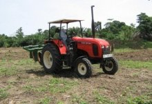 Lonrho experiences import delays of tractors in Mozambique