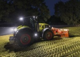 CLAAS launches two versions of AXION 900 large tractors