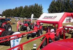 'CASE IH attracts big crowds at ADMA Agrishow 2016'