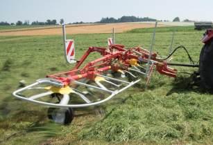 Pöttinger introduces new tedder for small farms